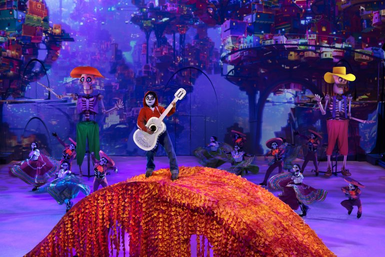 Disney on Ice: Mickey's Search Party show featured by top US Disney blogger, Marcie in Mommyland   Find out what to expect with Disney on Ice: Mickey's Search Party from top Disney blogger Marcie in Mommyland