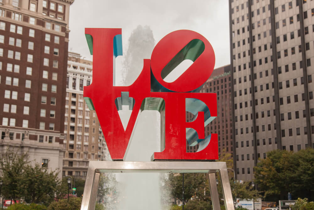 7 Inexpensive Places to Go for Spring Break in the US featured by top US travel blogger, Marcie in Mommyland: Love Park is a plaza located in Center City, Philadelphia, Pennsylvania.