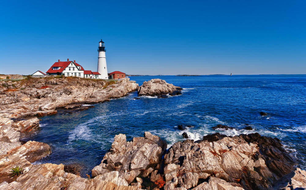 7 Inexpensive Places to Go for Spring Break in the US featured by top US travel blogger, Marcie in Mommyland: Portland Head Lighthouse in Cape Elizabeth, Maine