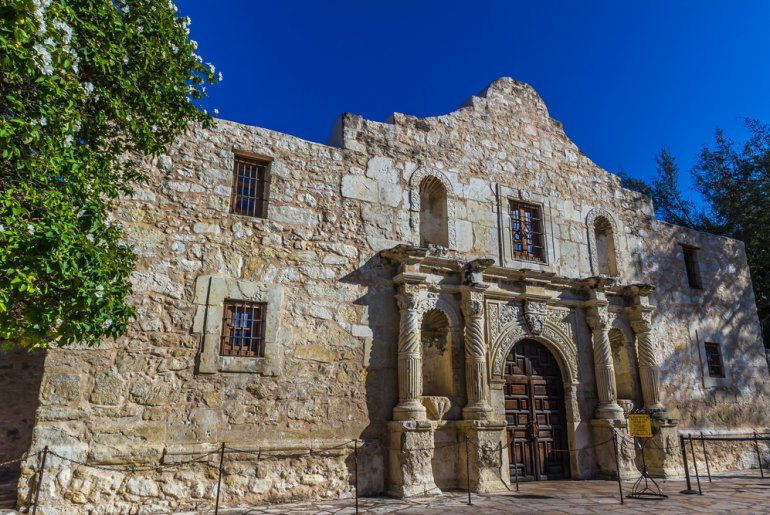 6 Unique Spring Break Destinations to Teach About History featured by top US family travel blogger, Marcie in Mommyland: San Antonio TX