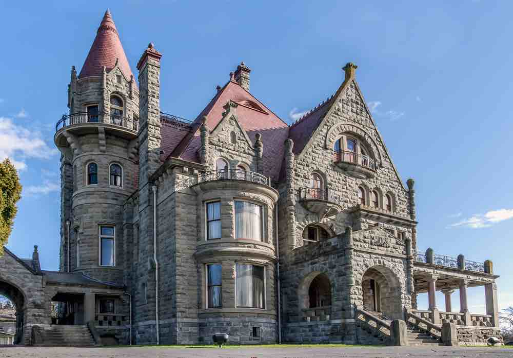 Victoria with Kids: 13 Kids Activities to Do when Visiting Victoria Canada featured by top family travel blogger, Marcie in Mommyland: Craigdarroch Castle in Victoria, BC
