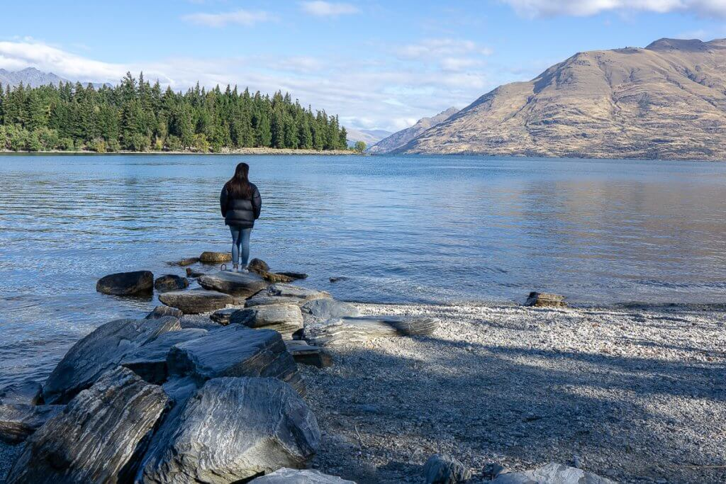 Top 12 Things to do in Queenstown with Kids featured by top family travel blogger, Marcie in Mommyland: Lake Wakatipu is a great place to go in Queenstown with kids