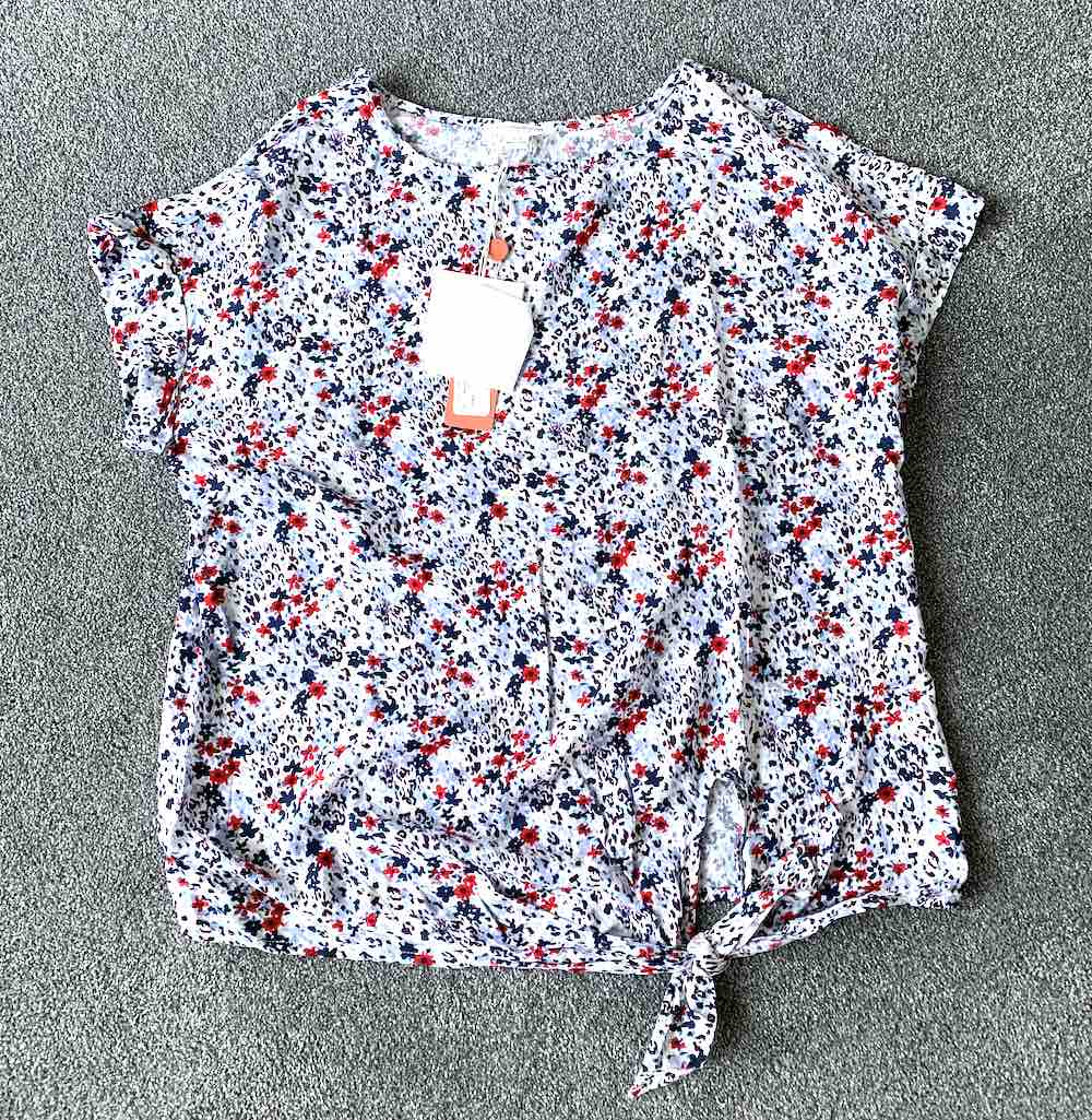 Wantable Style Edit Unboxing & Try On: August 2020 featured by top Seattle lifestyle blogger, Marcie in Mommyland: image of Lumi Tie Front Top