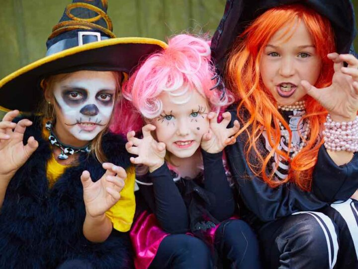 13 Spooky Things to Do at Home on Halloween with Kids