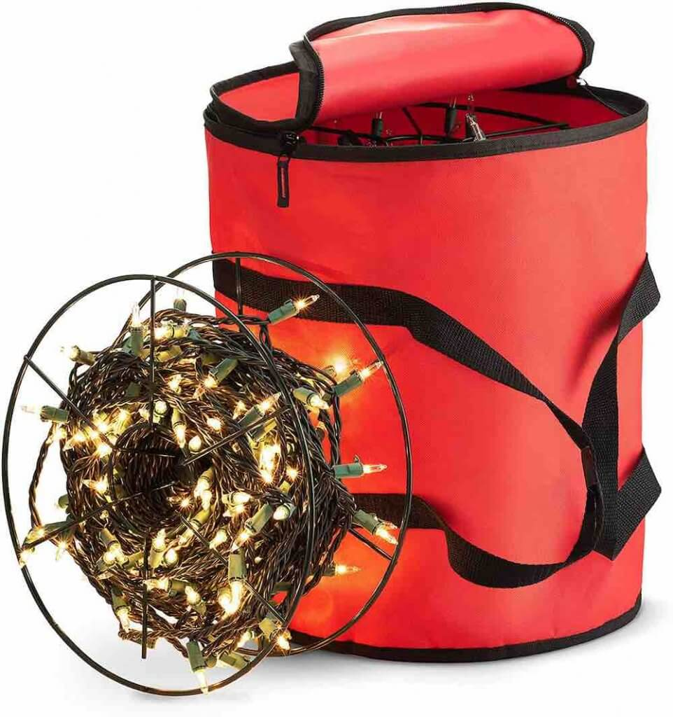 Christmas Decoration Storage Ideas and Tips featured by top Seattle lifestyle blogger, Marcie in Mommyland: Keep your Christmas lights tangle free with this Christmas light storage bag