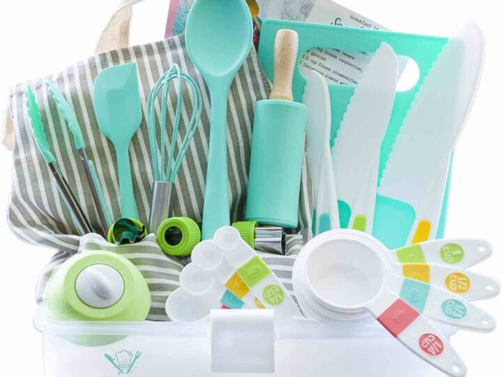 Find out the coolest kids baking kits and cooking gifts for kids by top Seattle blog Marcie in Mommyland