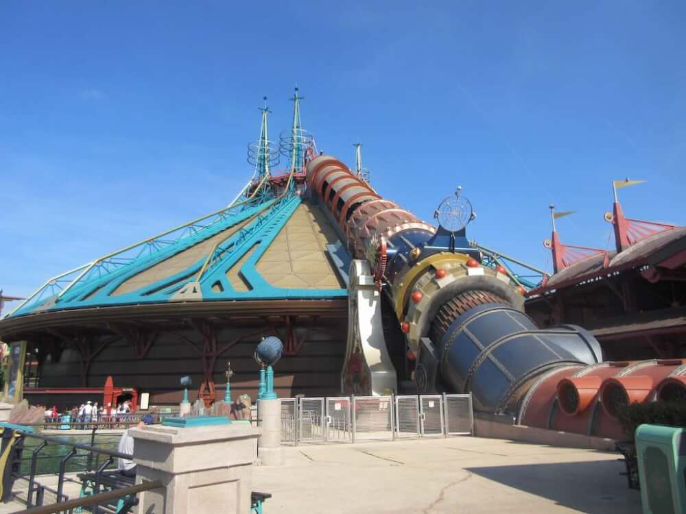 Missing your FastPass window is a rookie Disneyland Paris mistake. Image of Hyperspace Mountain at Disneyland Paris