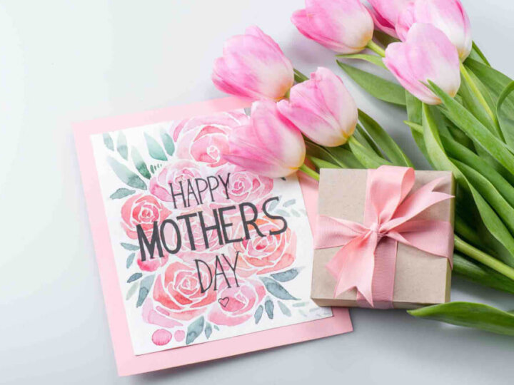 5 Ways to Show Your Mom Friends Some Extra Love this Mother's Day