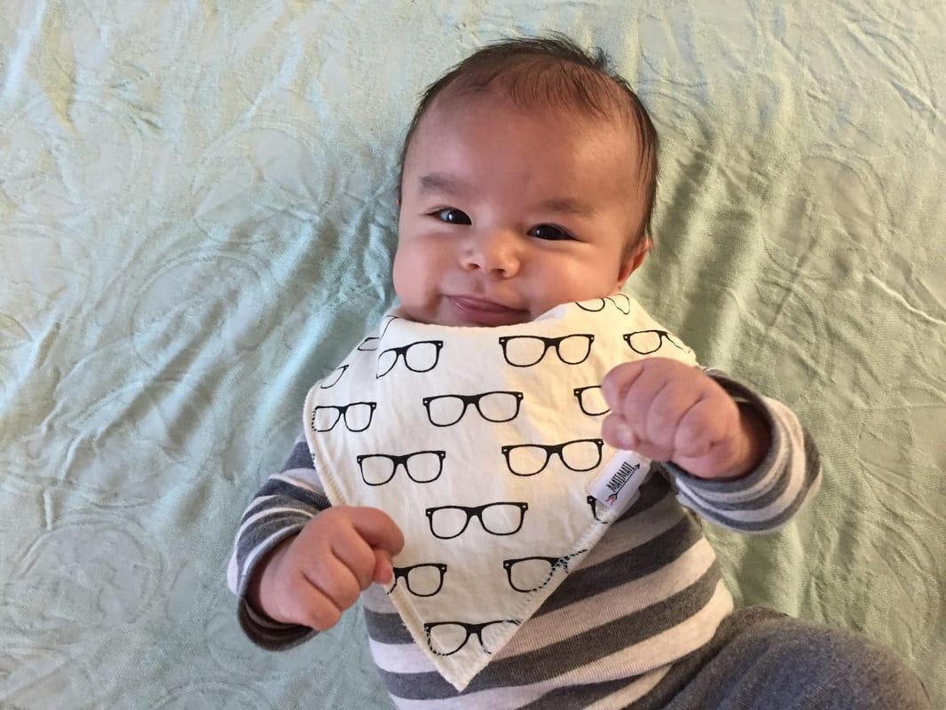 Matimati glasses drool bib