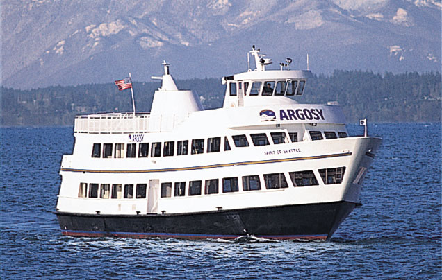 We spent our Seattle Wedding Rehearsal Dinner on an Argosy Boat cruise around Seattle. #seattle #cruise #argosy #seattlewedding